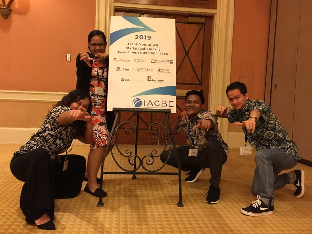 Business students at IACBE competition