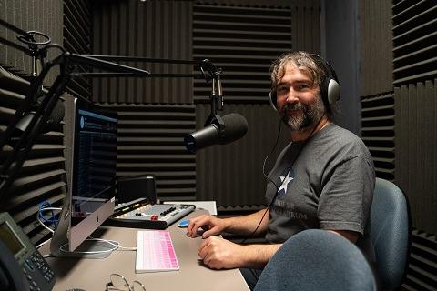 Professor Tom Galli in Radio CUH